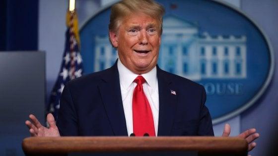 """Coronavirus, il diktat di Donald Trump: """"Sospendere l'immigrazione negli Usa"""""""