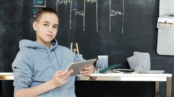 """Torino, nasce """"TuttiConnessi"""": raccolta solidale di strumenti informatici per gli studenti"""