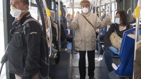 Coronavirus, le mascherine riducono di 36 volte la trasmissione