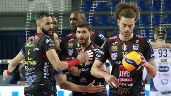 """Volley, giocatori e tecnici contro il taglio degli stipendi: """"Sacrifici solo a carico nostro"""""""