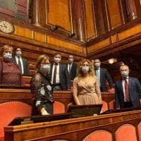 La Lega occupa le Camere. La notte sui banchi di Camera e Senato