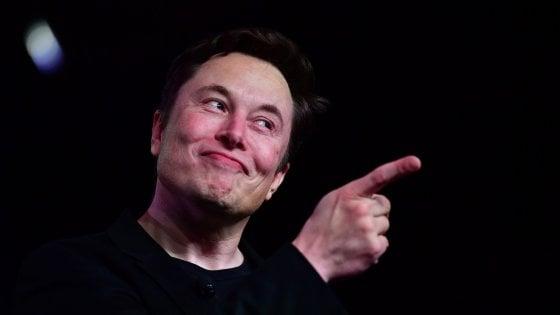 """Coronavirus, Elon Musk si schiera con Trump: """"I lockdown sono fascisti"""""""