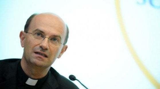 """Coronavirus, la Cei fa pace con Conte sul caso messe: fra noi """"collaborazione leale"""""""