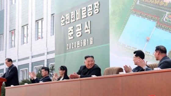 Corea del Nord, media Kim Jong-un riappare in pubblico dopo 20 giorni