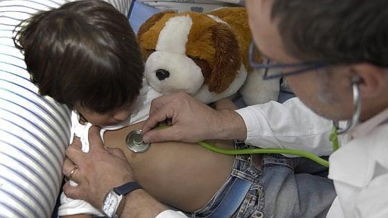 """Coronavirus e sindrome di Kawasaki. I pediatri: """"La terapia c'è ..."""