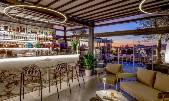 """Cocktail bar (e pub) sull'orlo del baratro: """"Chi non ha spazi esterni morirà"""""""