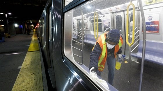 Coronavirus, la metropolitana di New York si ferma per la prima volta nella storia