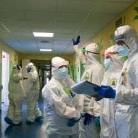 Appello di 100 medici: basta fake online sul virus
