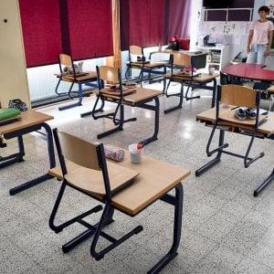 """Sicurezza a scuola, il piano del ministero: """"Misurazione della febbre e uscite delle classi distanziate di 15 minuti"""""""