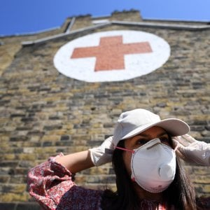 La solidarietà degli italiani di Londra per aiutare i più deboli e chi lotta contro il coronavirus
