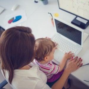 Fase 2, per 3 milioni di mamme è emergenza conciliazione lavoro-famiglia