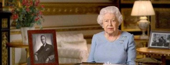 Coronavirus, la regina Elisabetta non apparirà in pubblico per mesi
