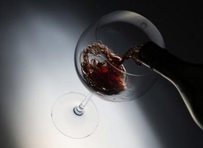 Niente visite in cantina? La degustazione di vino si fa online