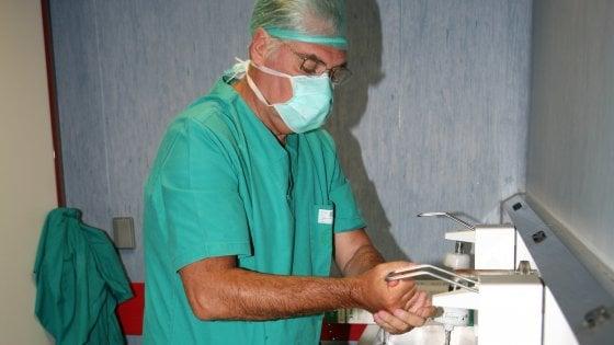 """Il chirurgo campano: """"Ora che sono guarito dono il plasma"""""""