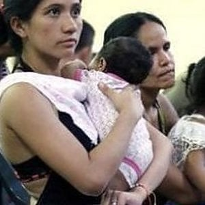 Ecuador, gli aiuti alimentari alle famiglie del Paese latino americano ma anche tablet e cellulari per gli studenti