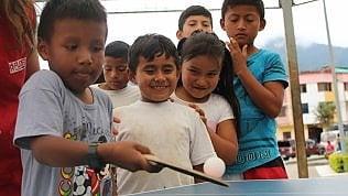 Ecuador gli aiuti alimentari alle famiglie del Paese latino americano ma anche tablet e cellulari per gli studenti