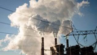 Coronel, città dove l'energia prodotta col carbone immette arsenico e metalli pesanti nel sangue della gente Video