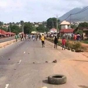 Guinea, sparano contro chi non ha da mangiare e per questo trasgredisce le regole imposte dalla pandemia