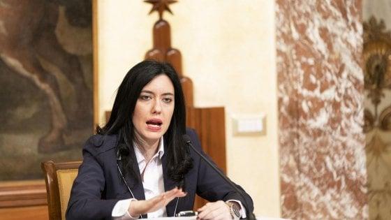Scuola, la ministra Azzolina conferma: la maturità sarà in presenza e in sicurezza