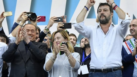 """2 giugno, Lega e Fdi in piazza: """"Con le mascherine contro la fase 2"""""""
