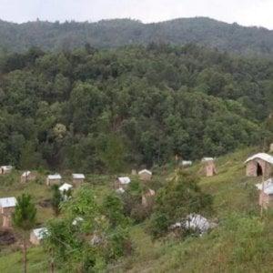 India, le capanne in bambù per i malati di coronavirus: la pandemia ha indotto alla collaborazione le diverse fedi religiose