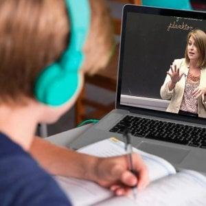 Pandemia, scuola online: più carico di lavoro, voglia di tornare alle lezioni tradizionali, preoccupazione dei maturandi