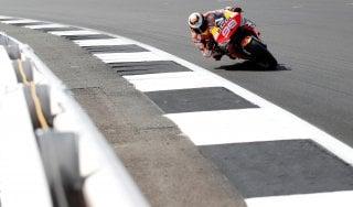 """MotoGp, Ezpeleta avanti tutta: """"Si correrà anche se c'è positivo nel paddock"""""""