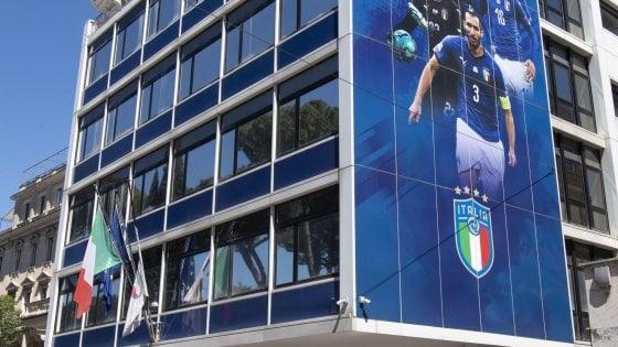 Serie A, il nuovo protocollo: un tampone ogni 4 giorni al posto dei ritiri
