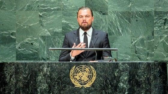 """Africa, DiCaprio promuove un fondo per il parco dei Virunga : """"I gorilla di montagna a rischio tra Covid 19 e bracconieri"""""""