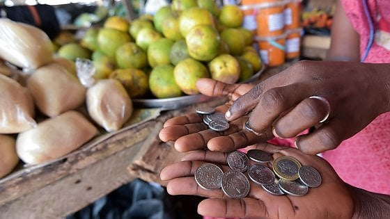 La Francia manda in pensione il franco Cfa, la moneta delle colonie