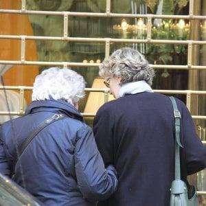 L'importanza del contatto umano: un numero verde per dare supporto agli anziani soli