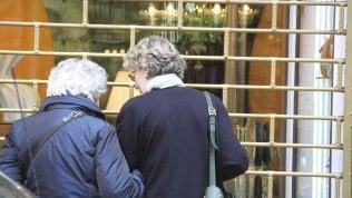 L'importanza del contatto umano:un numero verdeper dare supporto agli anziani soli