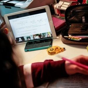 """Supporto nella didattica a distanza: il progetto """"Studiare Connessi - Un nuovo modo di fare scuola"""""""
