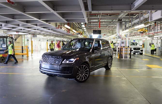 """Jaguar Land Rover: """"Così produciamo le auto con il distanziamento sociale"""""""