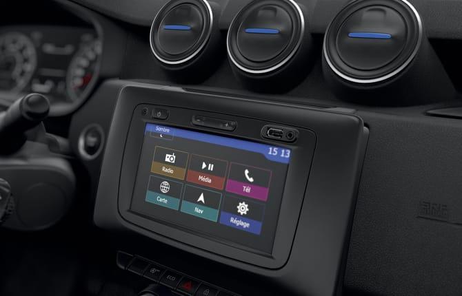 Dacia 15th Anniversary, tutto in un'auto