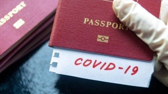 Certificati, app, test all'arrivo, corridoi: come torneremo a viaggiare