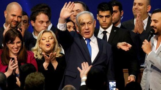 """Governo, l'appello di 70 deputati a Conte: """"Condanni Israele per l'annessione della Cisgiordania"""""""