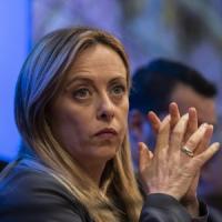 """Anniversario morte di Almirante, Meloni: """"Grande politico e patriota"""". Sui social è..."""