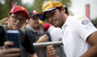 """F1, Sainz pensa in grande: """"Alla Ferrari per costruire qualcosa di speciale"""""""