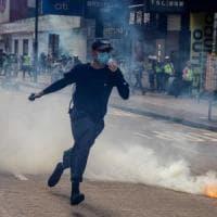 Hong Kong, 180 arresti e lacrimogeni fra chi protesta contro la legge sulla sicurezza...