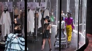 """Rivoluzione Gucci: """"Basta sfilate, solo due presentazioni all'anno e senza stagionalità"""""""