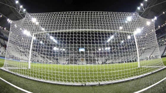 Calcio, la dura vita degli allenatori: 40 partite e poi l'esonero