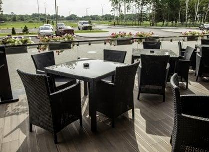 Tavoli all'aperto, la rivolta dei ristoranti contro l'ordinanza