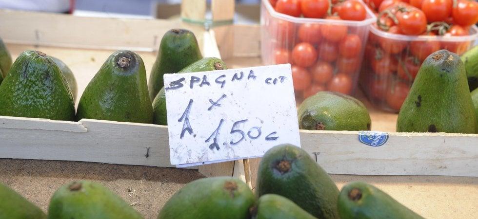Italiani a tavola: nel lockdown più verdura e frutta, ma boom di dolci (+44%)