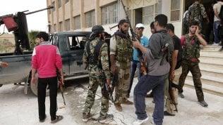 """Bambini in guerra sul fronte libico: """"Reclutati in Siria"""""""