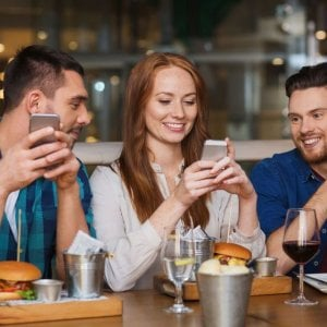 Foodja: un'app per riaprire in sicurezza bar e ristoranti