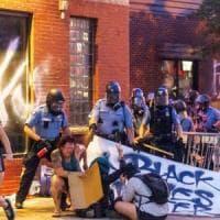 Violenze e scontri a Minneapolis dopo la morte di Floyd: un uomo ucciso