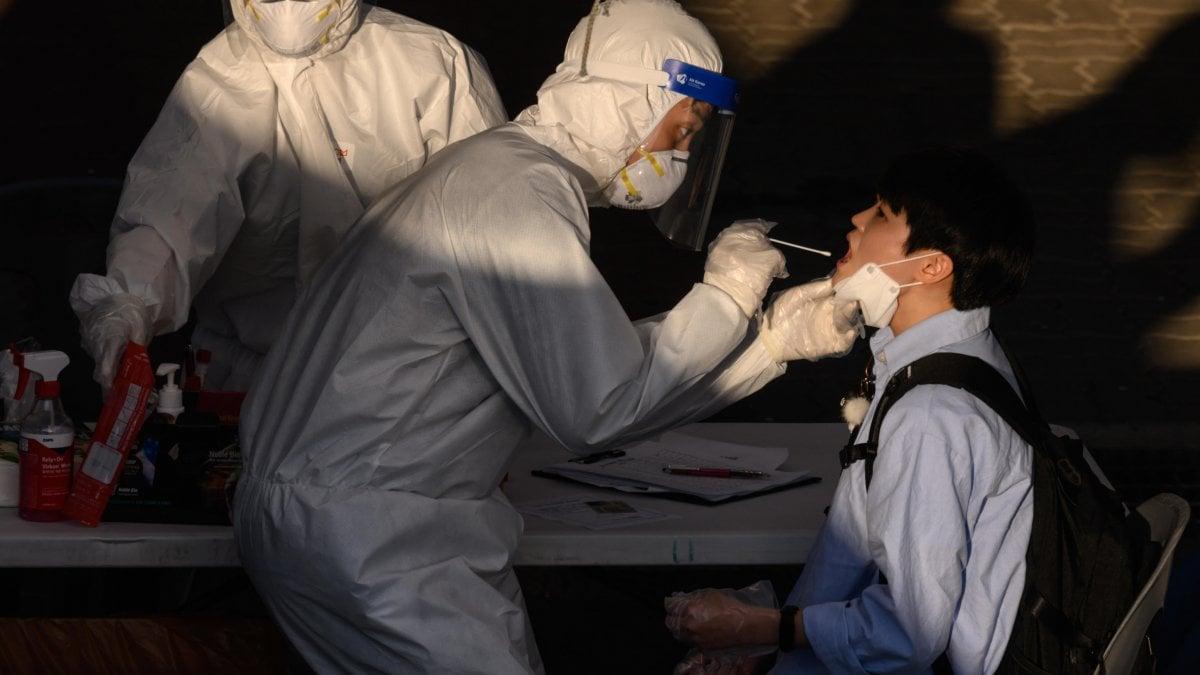 Corea del Sud: balzo contagi, il virus 'richiude' Seul