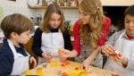 Bambini in cucina, un 'campionato' di ricette per imparare a mangiare sano