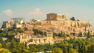 Grecia: dal 15 giugno si apre al turismo. Ma lItalia resta fuori